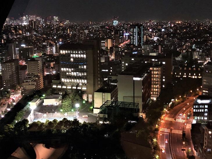 文京シビックシティから見る中央大学後楽園キャンパス