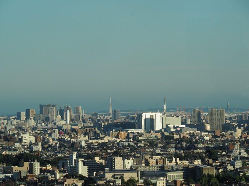 キャロットタワー展望ロビーから見た川崎・横浜方面の眺望