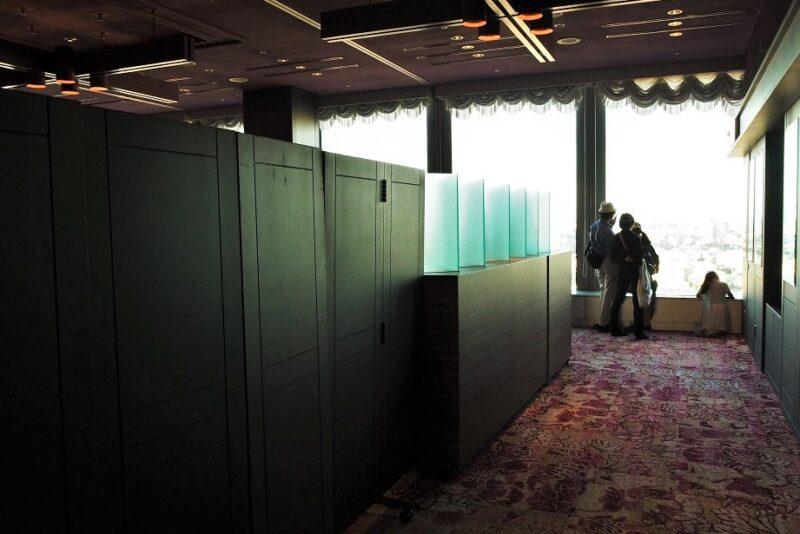 キャロットタワーの新宿側の展望スペース