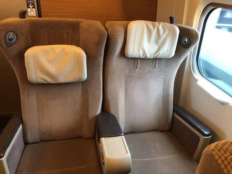 E5系グリーン車座席シート