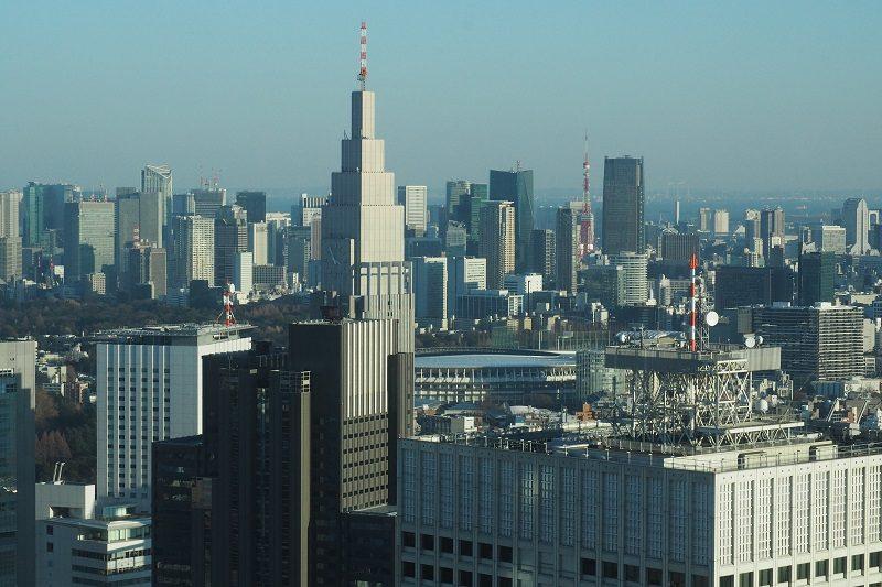 東京都庁北展望室から見るNTTドコモタワー