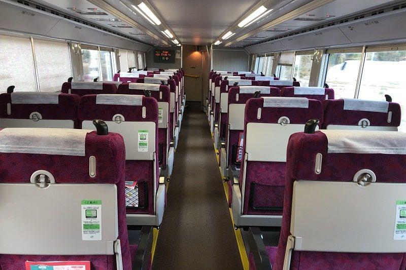 JR東日本普通列車グリーン車1階部分