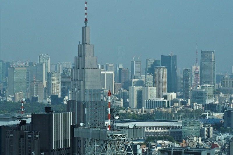 東京都庁から見るNTTドコモビル・新国立競技場
