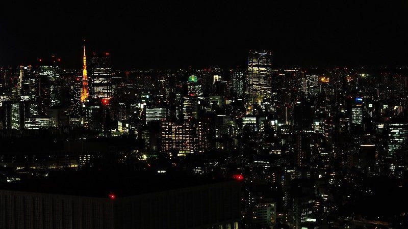 東京都庁北展望室から見る夜の東京タワー