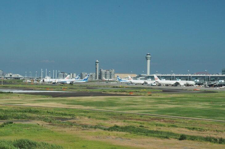 足湯スカイデッキから見る羽田空港第3ターミナル