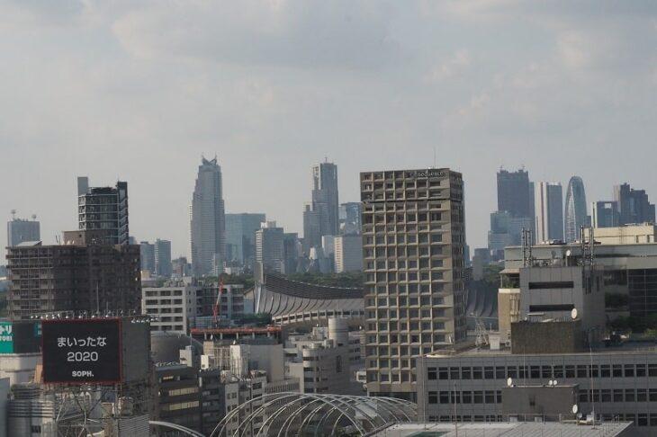 渋谷ヒカリエスカイロビーからの新宿副都心