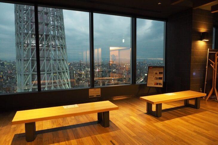 東京スカイツリーイーストタワー30階レストランフロア奥の展望スペース