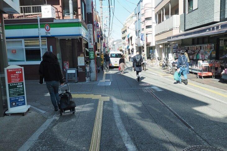 松陰神社への通り